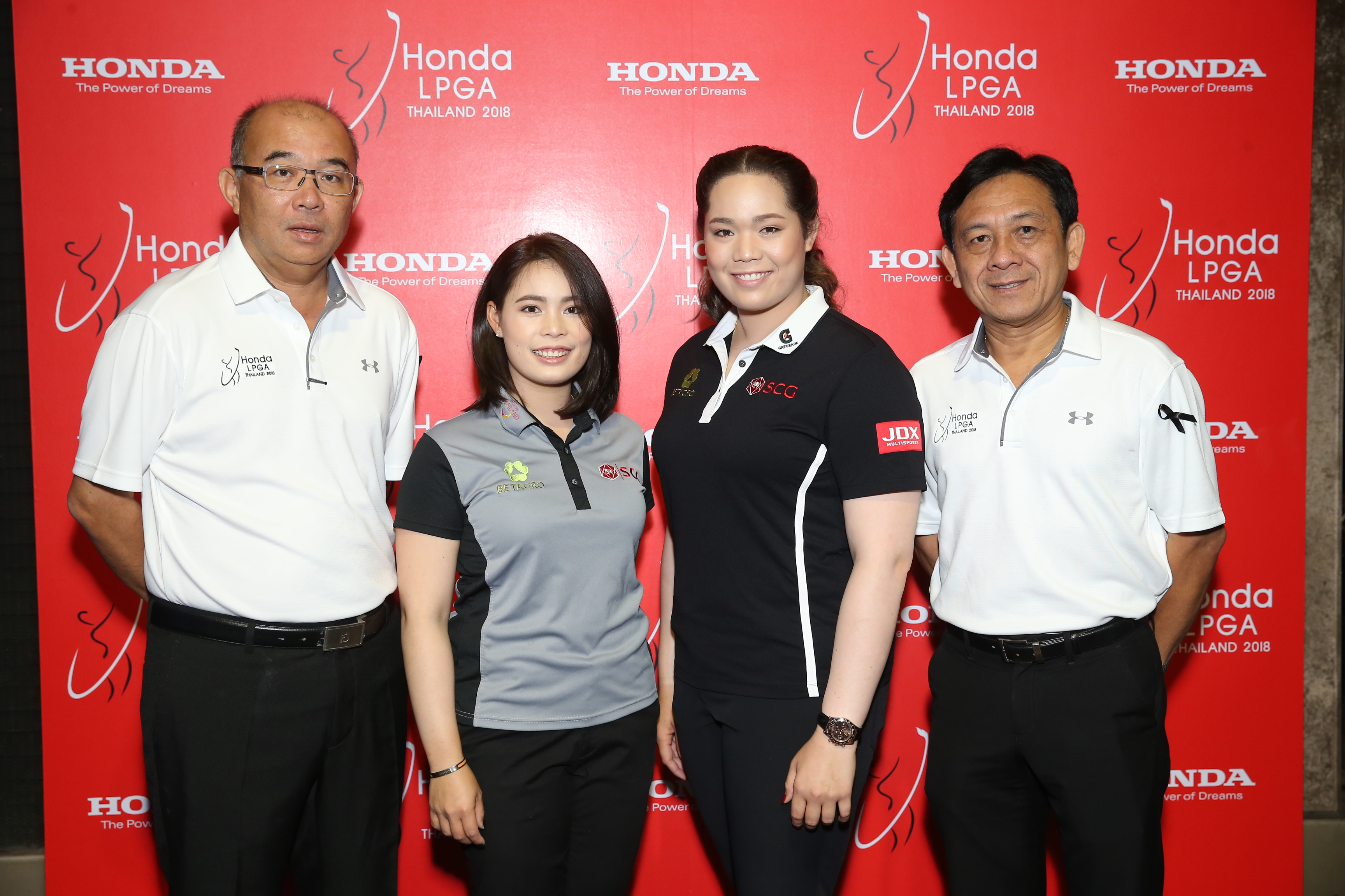 2018 honda lpga thailand. plain thailand sumrit thanomrod assistant managing director service and spare parts of  siam daikin sales co ltd suksan suwanpanich general manager country  with 2018 honda lpga thailand